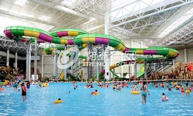 Chiny Aquatic Playground Equipment , Large Water Slides Capacity for Family Fun in Big Water Park dostawca